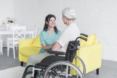Opieka nad osobą starszą niesamodzielną