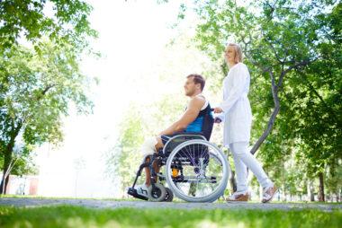 Wakacje osoby zniepełnosprawnością - praktyczne wskazówki